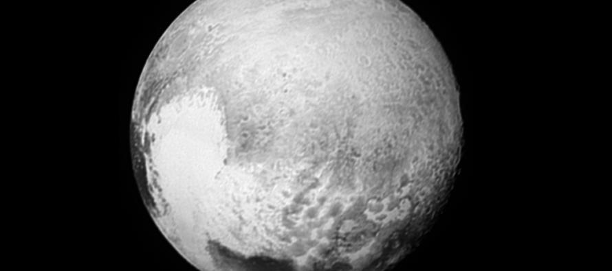 In volo su Plutone